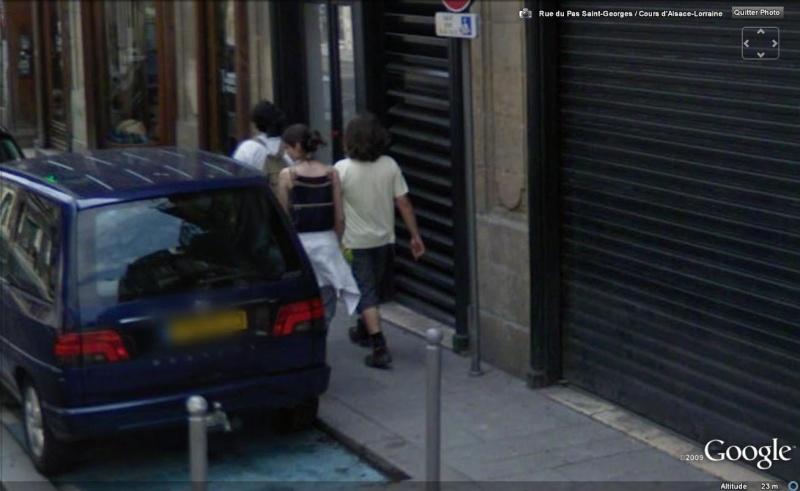 STREET VIEW : les gens en chaussettes noires ! - Page 4 Chauss26