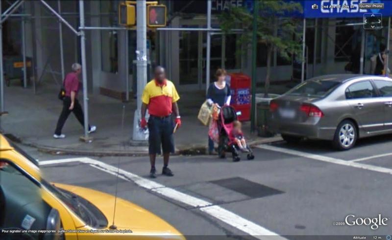 STREET VIEW : les gens en chaussettes noires ! - Page 4 Chauss29