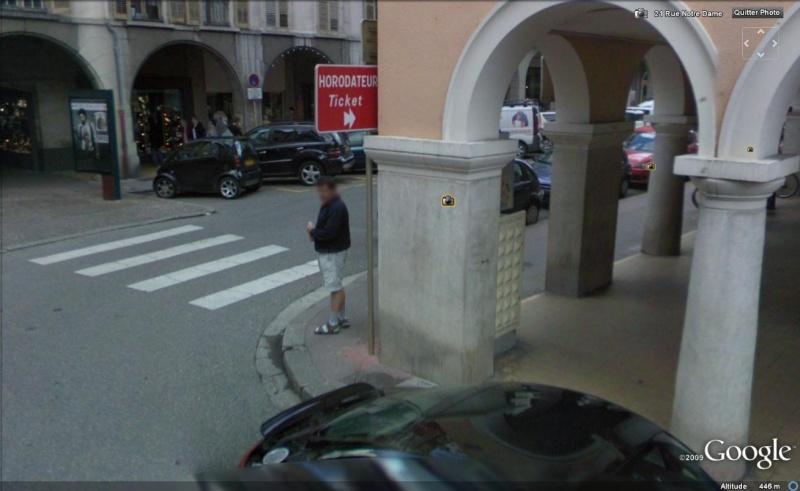 STREET VIEW : les gens en chaussettes noires ! - Page 5 Chauss33