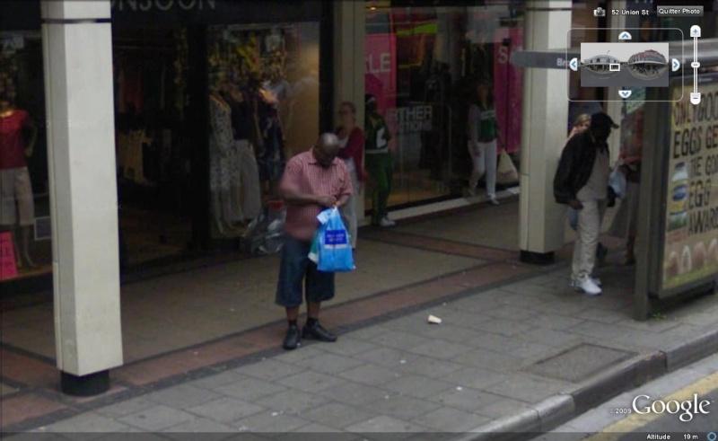 STREET VIEW : les gens en chaussettes noires ! - Page 5 Chauss40