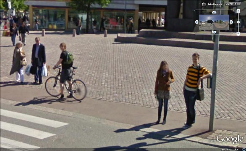 STREET VIEW : les gens en chaussettes noires ! - Page 6 Chauss42