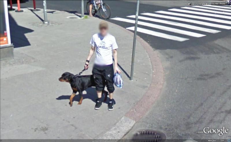 STREET VIEW : les gens en chaussettes noires ! - Page 6 Chauss45