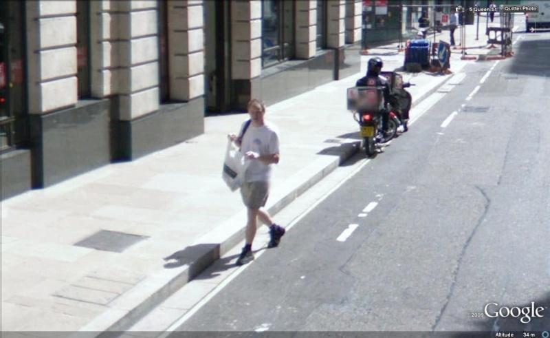 STREET VIEW : les gens en chaussettes noires ! - Page 6 Chauss52
