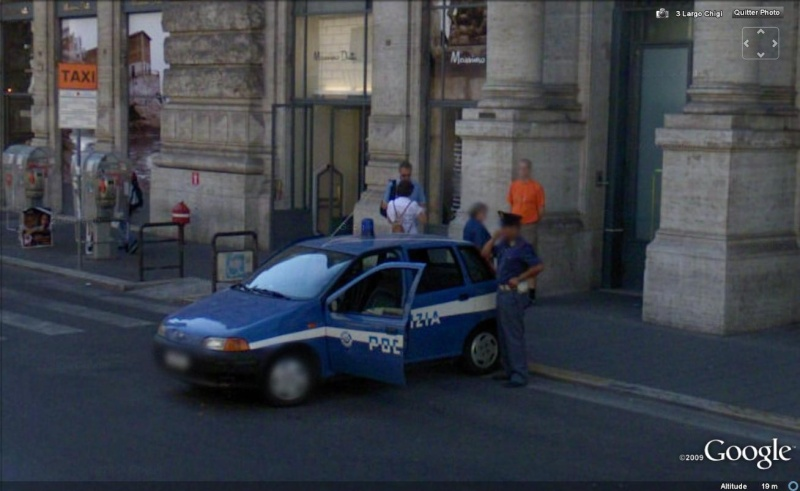 STREET VIEW : véhicules de police du monde - Page 4 Police22
