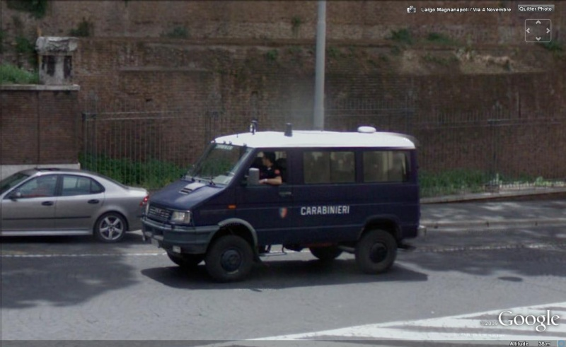 STREET VIEW : véhicules de police du monde - Page 4 Police25