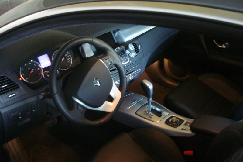 [CAKOA110] Laguna III Coupé Initiale 3.5 V6 240 Dsc02010
