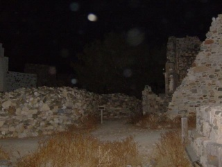 Σημαίνοντας τις ώρες από το κάστρο της Αστροπαλιάς Hpim3112