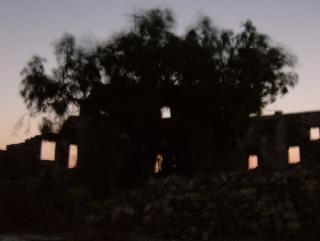 Σημαίνοντας τις ώρες από το κάστρο της Αστροπαλιάς Hpim3113