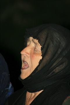 Έσβησε η φωνούλα της κυρα - Φρόσως από τον Παρακάλαμο Isiyii10