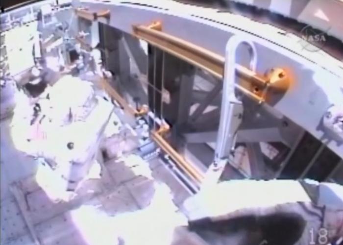 [STS-131 / ISS19A] Discovery : EVA 1 Anderson et Mastracchio Eva1511