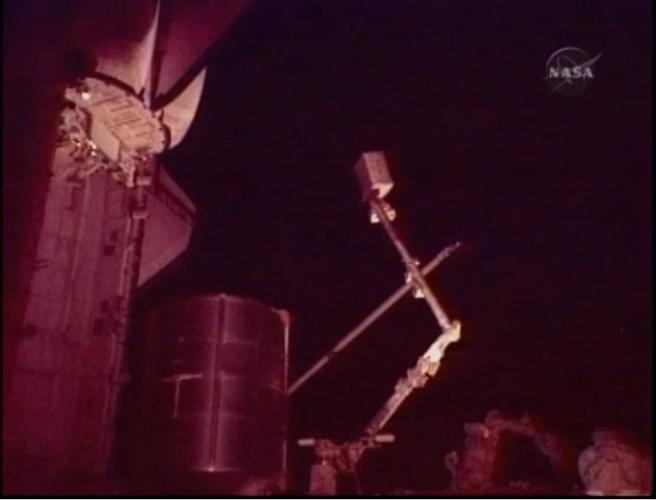 [STS-131 / ISS19A] Discovery : EVA 1 Anderson et Mastracchio Eva2110