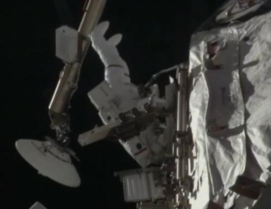[STS-131 / ISS19A] Discovery : EVA 1 Anderson et Mastracchio Eva2610