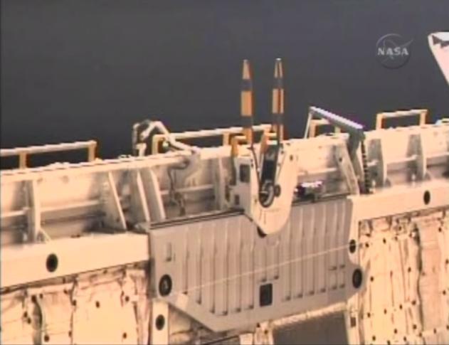 [STS-131 / ISS19A] Discovery : EVA 1 Anderson et Mastracchio Eva410