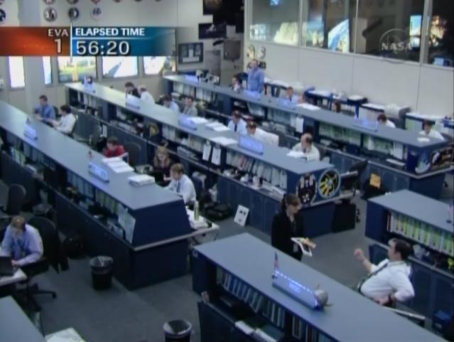 [STS-131 / ISS19A] Discovery : EVA 1 Anderson et Mastracchio Eva510