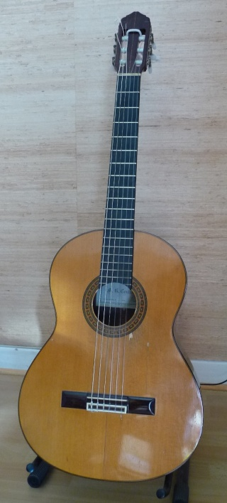 COIN GUITARE/BASSE - Page 2 Guitar10