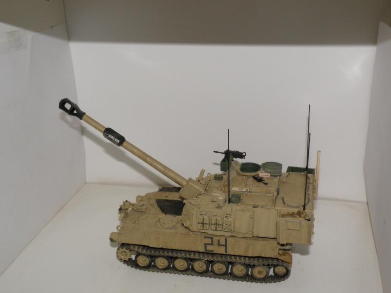 M109A6 Paladin P2050021
