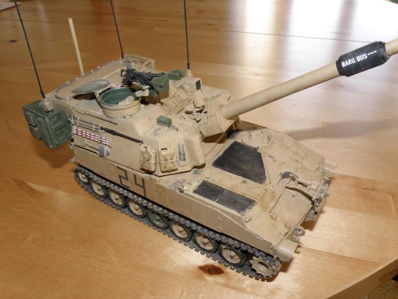 M109A6 Paladin P2050024