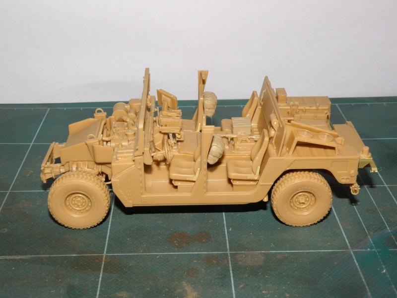 M1114 BRONCO 1/35 Pc100010