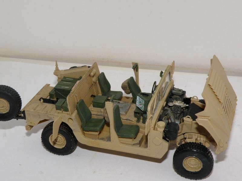 M1114 BRONCO 1/35 - Page 2 Pc160014