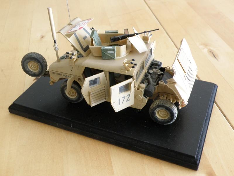 M1114 BRONCO 1/35 - Page 2 Pc200014
