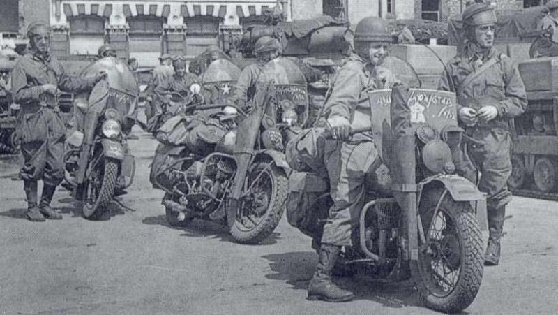 Vieilles photos (pour ceux qui aiment les anciennes photos de bikers ou autre......) - Page 9 Wla2db10