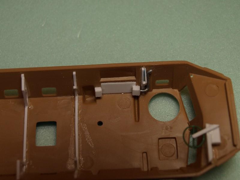 VAB 4x4  [HELLER 1/72]  ---  Montage terminé P1012719