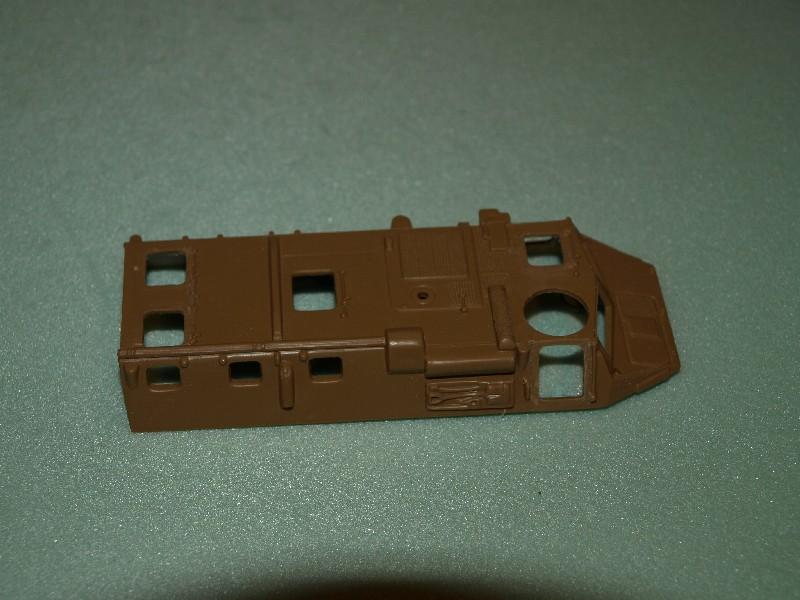 VAB 4x4  [HELLER 1/72]  ---  Montage terminé P1012725