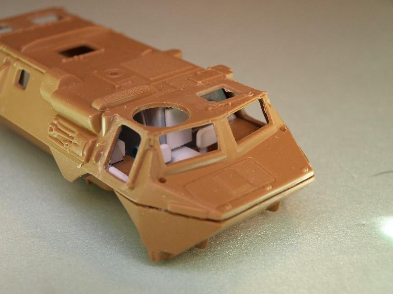 VAB 4x4  [HELLER 1/72]  ---  Montage terminé P1012726