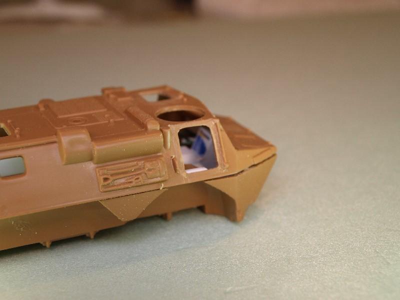 VAB 4x4  [HELLER 1/72]  ---  Montage terminé P1012727