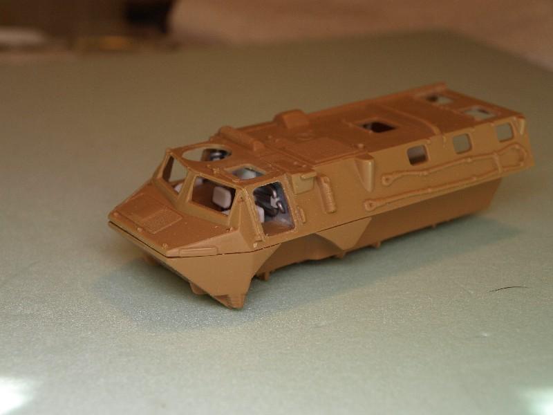VAB 4x4  [HELLER 1/72]  ---  Montage terminé P1012729