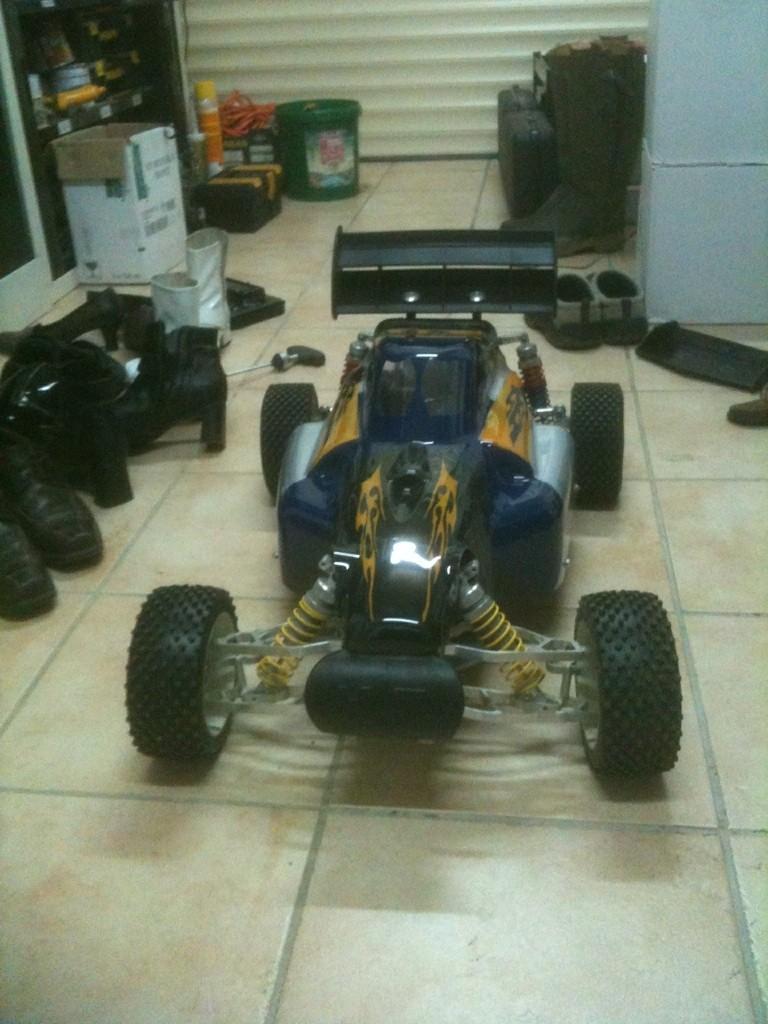 mon nouveau bolide pour 2011 Yoan10