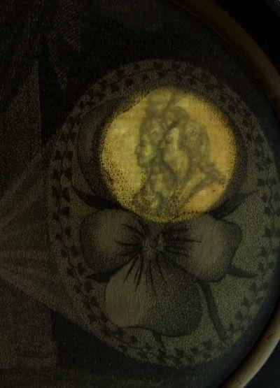 Portraits cachés de Marie-Antoinette et Louis XVI ou images séditieuses  8a7e8310