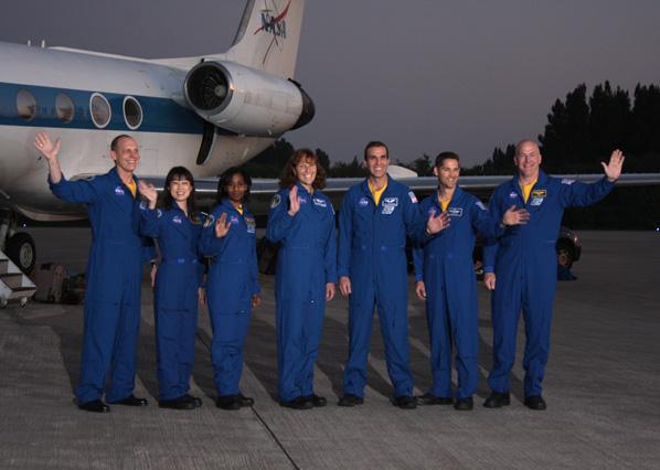 [STS-131 /ISS19A] Discovery fil dédié au lancement (05/04/2010) 0610