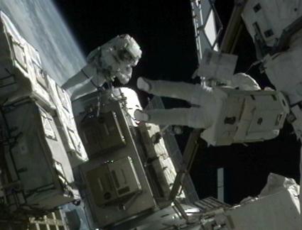 [STS-133] Discovery: Déroulement de la mission. - Page 5 15321212