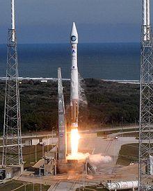 Suivi de la mission SDO (Solar Dynamics Observatory) 220px-12