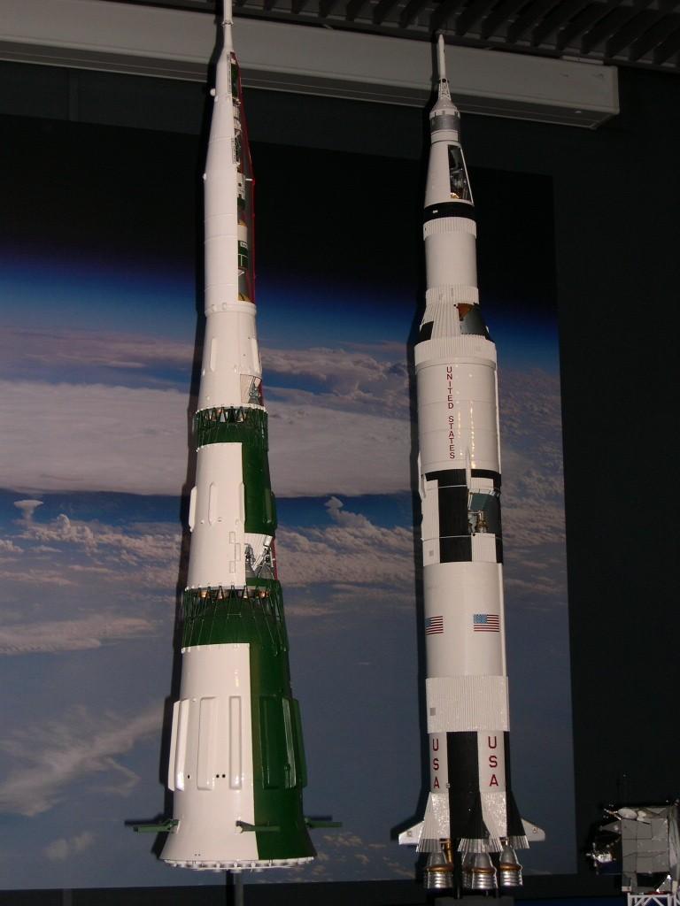 Un petit sondage pour les amoureux des fusées de l'Est... 42069710