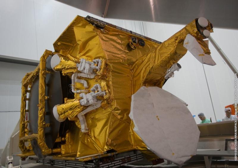 Ariane 5 ECA V195 : Arabsat 5A + COMS 1 (26/06/2010) 678-2-10