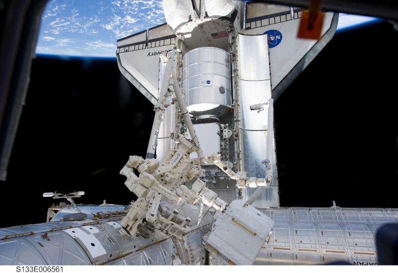 [STS-133] Discovery: Déroulement de la mission. - Page 4 Disco_11