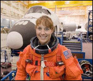 [STS-131] Discovery : préparatifs - Page 2 Jsc20111