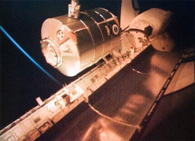 [STS-131 / ISS19A] Discovery : déroulement de la mission - Page 7 Mplmun10