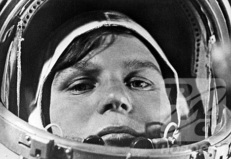 Les 55 voyageuses de l'espace - Page 2 Valent10