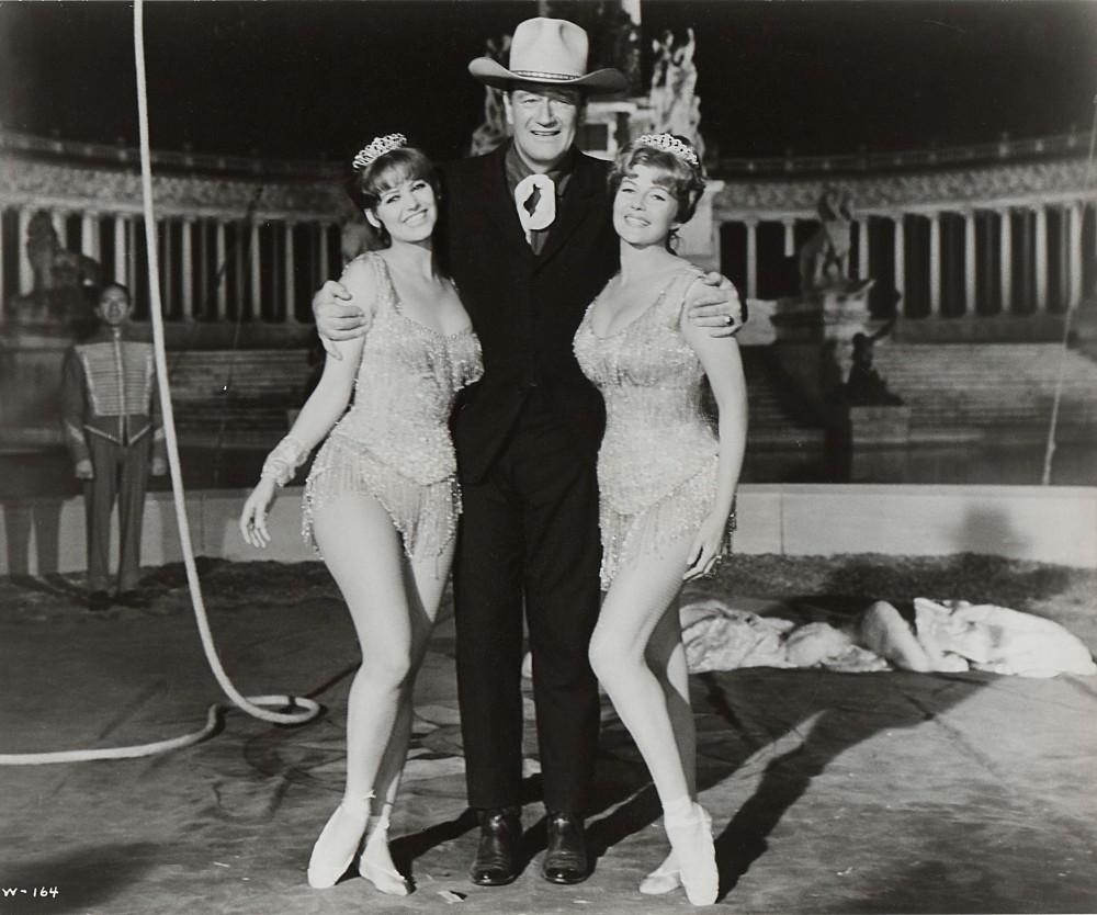 Le Plus Grand Cirque du Monde - Circus World - 1964  - Page 2 A_duk296