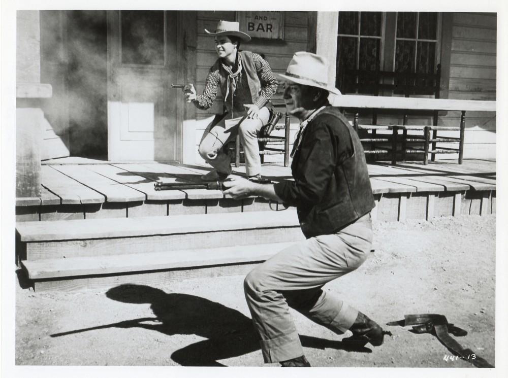 Rio Bravo - 1959 - Page 2 Duke_180