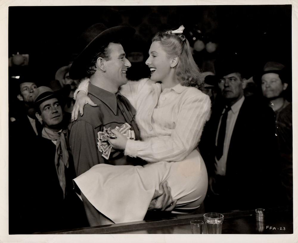 La Fille et son Cowboy - A Lady Takes A Chance - 1943 Wayne484