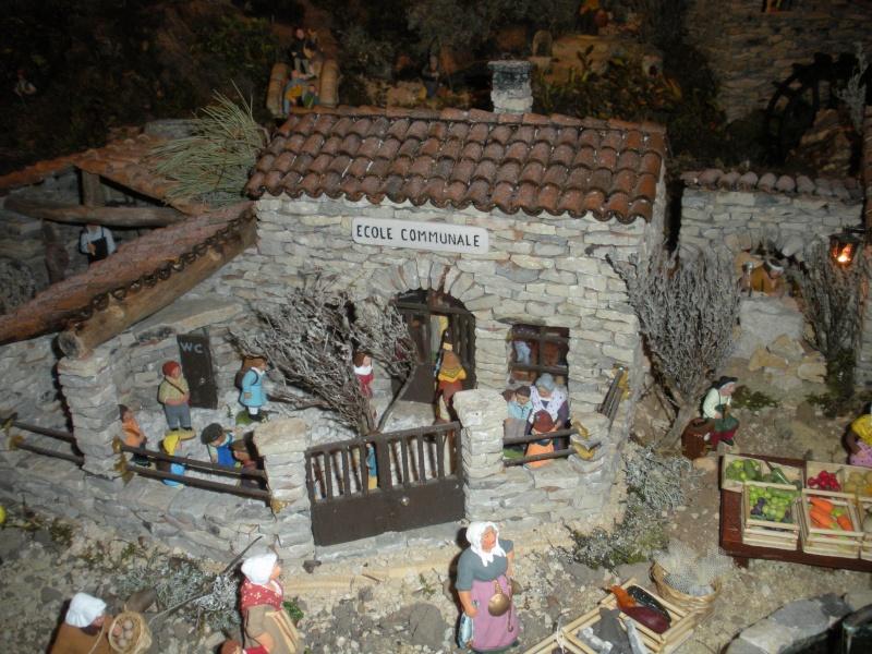 La crèche de Lucien de Carpentras Dscn3021