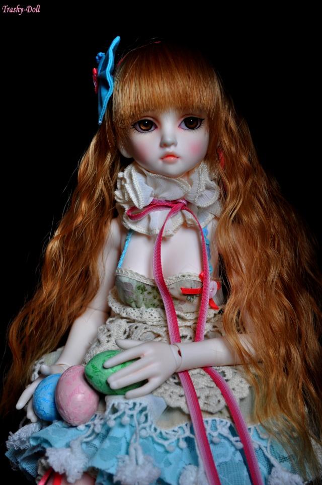 Célia and flowers [Ange Ai Uri Custom House]Bas p.n°2 Alice_15
