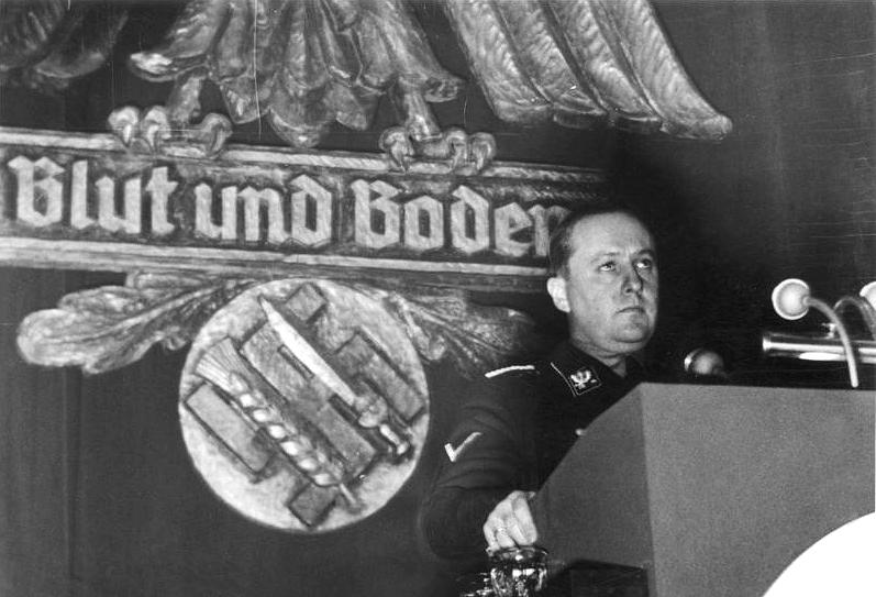 Sur la formation du SS Bundes10