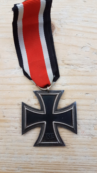 Médailles allemandes WW1 et WW2 20210414
