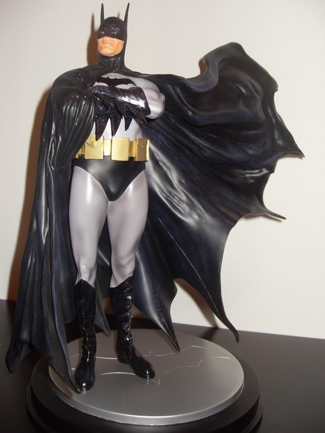 BATMAN STATUE: DARK CRUSADER Statue Q_38311