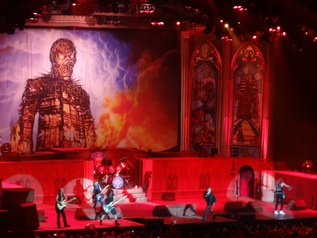 IRON MAIDEN : Paris, AccorHotels Arena, 6/7/18 Dsc03015